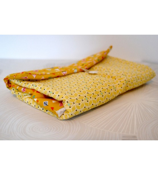 Tapis langer id e cadeau naissance b b original Petit tapis jaune