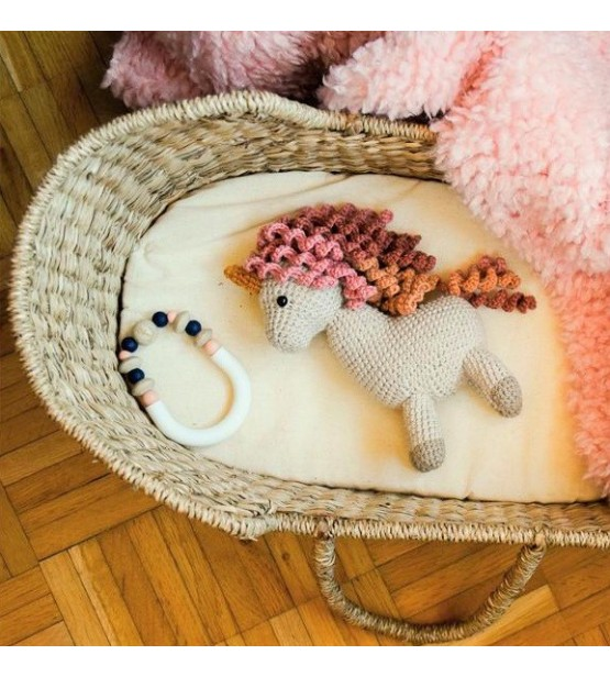 """""""Amy la Licorne"""" - Peluche au crochet vintage et trop craquante!"""