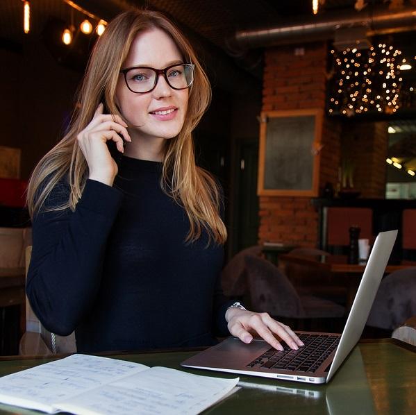Jeanne au service client